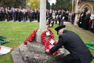 David James, Watch Manager at Tenbury Fire Station, lays a wreath at the cenotaph.