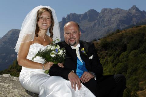 Ludlow woman weds sweetheart in the French alps