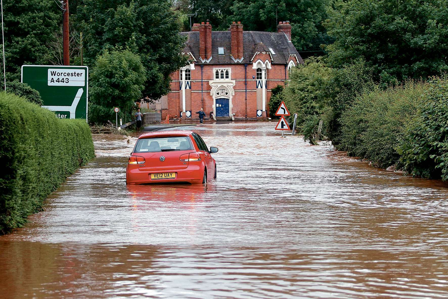 Homes and businesses in the Tenbury area could get additional funding for flood relief.