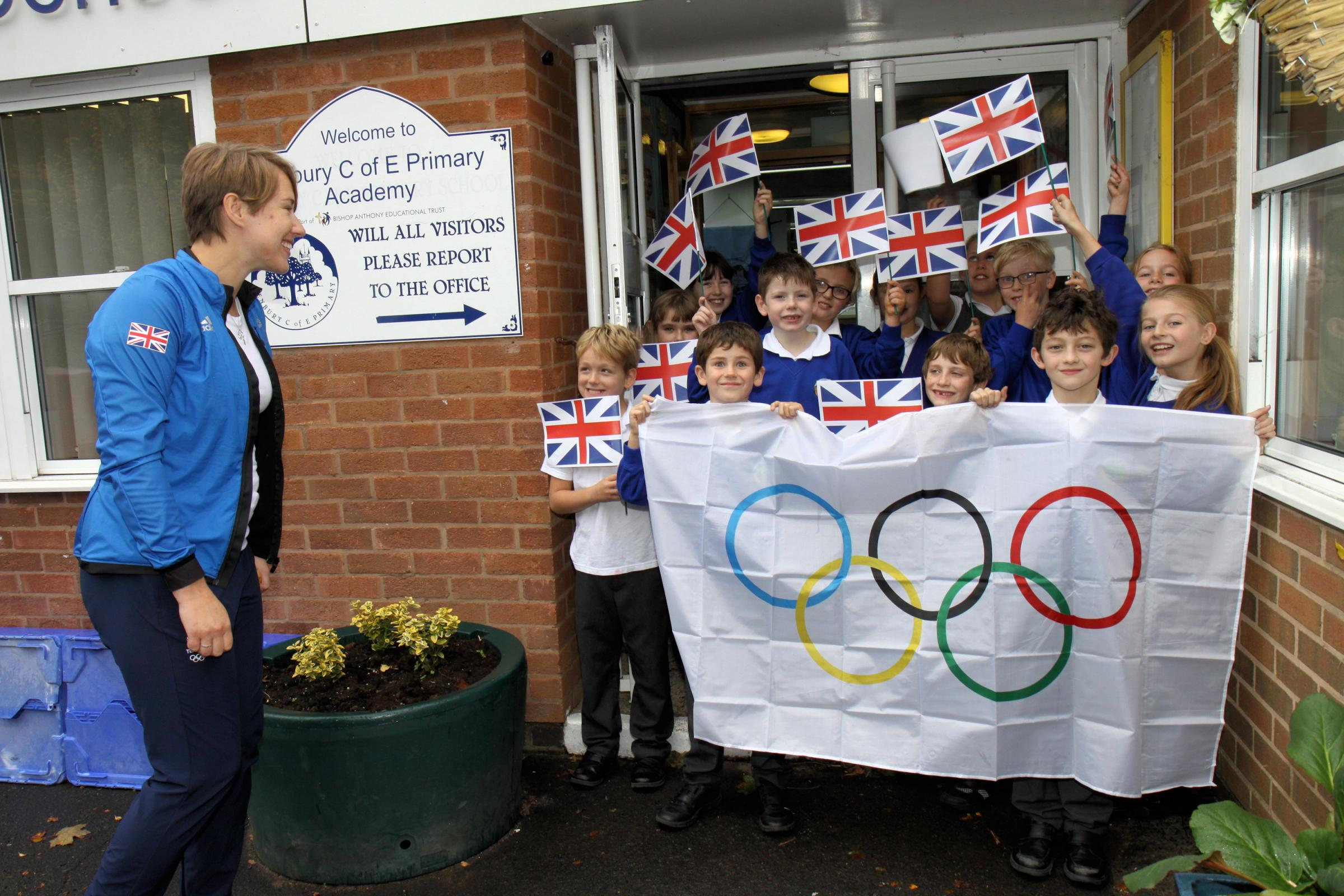 Lizzie Yarnold greeted by Tenbury children